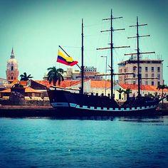 Barco en el muelle turistico . Cartagena,Bolivar, COLOMBIA