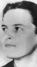Elizabeth Anscombe (1919-2001) fue una filósofa y teóloga, discípula directa de Ludwig Wittgenstein, estudió en la Universidad de Oxford y ocupó la cátedra de Filosofía de Cambridge entre 1970 y 1986, año de su jubilación. Es autora, entre otras publicaciones, de Intention (1957) y Collected Philosophical Papers (3 volúmenes 1981).