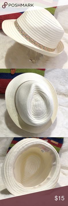 FOUR BUTTONS San Diego Hat Co  Paperbraid Fedora Love this cool fedora with the Kenyan Sisal bag also available in my closet. The perfect summer accessory. Bundle and save.  Excellent preowned condition. Like new! San Diego Hat Company Accessories Hats