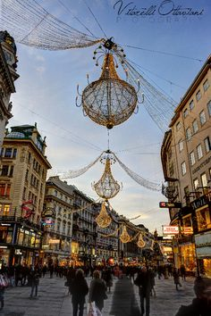my favorite place on earth! Vienna is beautiful during the holidays! Vienna at Christmas Time, Austria (by Denise Vitarelli Gabriele Ottaviani on Oh The Places You'll Go, Places To Travel, Travel Destinations, Places To Visit, Holiday Destinations, Austria Holidays, Wonderful Places, Beautiful Places, Budapest