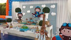 Aviador foi o tema escolhido pela mamãe do Miguel para comemorar o seu primeiro aninho.   Entre nuvens e aviões essa decor ficou super fo... Birthday Themes For Boys, Bernardo, Toddler Boy Birthday, Clouds, Themed Parties, 1 Year, Ideas Party, Kids Part, Messages