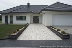 blog budowlany - mojabudowa.pl Modern Bungalow House Design, Small House Design, Dream House Plans, Modern House Plans, House Plans South Africa, Driveway Design, Beautiful House Plans, Facade House, House Layouts
