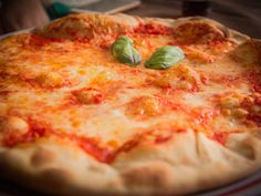 63 places to find pizza perfection http://www.eatout.co.za/article/63-places-find-pizza-perfection/