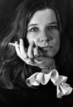 """Janis Joplin """"Some girls they want to collect their men, They wear 'em like notches on a gun. Oh honey, but I know better than that, I know that a woman only needs one."""" -Janis Joplin """"One Good Man"""" Acid Rock, Music Rock, My Music, Music Stuff, Janis Joplin Frases, Rock And Roll, Jimi Hendricks, Rainha Do Rock, Beatles"""