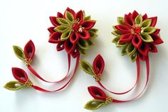 Kanzashi  Fabric Flowers. Set of 2 hair clips. Red and gold kanzashi hair clips. Japanese flowers for hair. Red gold hair piece.