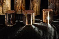 Transformer des rondins de bois craquelés en lampes naturelles