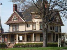 Wyandotte, MI : The historic McNichol Home in Wyandotte, now the Wyandotte museum