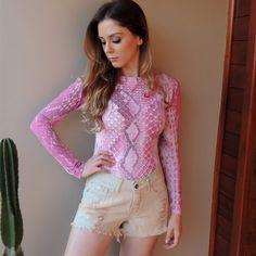 body-mangas-longas-rosa-estampado-decote-costas-comprar