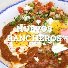 The best Mexican breakfast is easy to make. Use homemade or store-bought ranchero sauce, refried beans and salsa. Heat up some tortillas and fry some eggs and your quick savory meal is ready. Mexican Breakfast Recipes, Mexican Dishes, Mexican Food Recipes, Vegetarian Mexican, Vegetarian Recipes, Cooking Recipes, Tortillas, Salsa Ranchera, Vegans