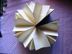 Paper Art : Lotus Flower Book