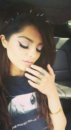 Bebe Rexha (August 30, 1989) American singer, songwriter, guitarist and pianist.