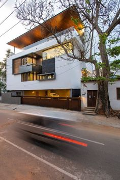 Contemporary Modern Architecture: Bagrecha Residence by CadenceDesigned byCadence Architects, this residential project is located in Bengaluru, Karnataka, India. As per the client's requirements, the public sp... Architecture Check more at http://rusticnordic.com/contemporary-modern-architecture-bagrecha-residence-by-cadence/