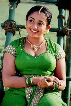 Kavya Madhavan Weight, Height, Bra Size, Figure Size, Body Measurements. Get More Celebrities Height Weight Bra size figure size from http://thecelebsfact.com/