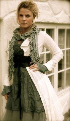 Jacket, dress, shirt & tulle shirt - Soleil