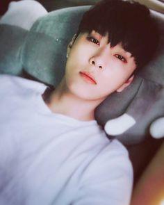 Junhyung - Highlight 170504 | cr.bigbadboii update Instagram
