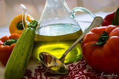 Extra Virgin Olive Oil is a real dietetic treasure! Virgilliant is here to offer you the purest Extra Virgin Olive Oil of Greek Nature! Cooking With Olive Oil, Fries, Yummy Food, Stuffed Peppers, Pure Products, Canning, This Or That Questions, Vegetables, Healthy