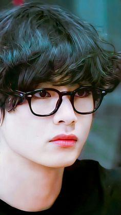 Bts Taehyung, Taehyung Photoshoot, Kim Taehyung Funny, Bts Bangtan Boy, Bts Jimin, Foto Bts, Bts V Pictures, Fille Anime Cool, Bts Beautiful