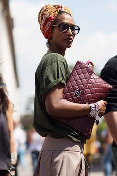 Casual chic--The Sartorialist: On the Street….The Fortezza, Florence The Sartorialist, Look Fashion, Street Fashion, Womens Fashion, Fashion Trends, Milan Fashion, Mode Style, Style Me, Classic Style