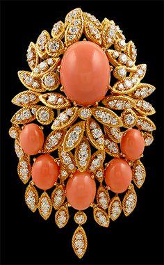 yafa jewelry brooches   VAN CLEEF & ARPELS Diamond & Coral Brooch - Yafa Jewelry