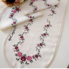 Cross Stitch Embroidery, Embroidery Patterns, Cross Stitch Designs, Diy And Crafts, Shabby Chic, Crochet, Handmade, Napkin Folding, Table Linens