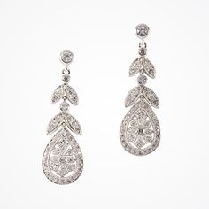 Shop wedding earrings for every bridal style. From classic pearl drop earrings to look-at-me chandeliers, our earrings offer beautiful luxury for every bride. Fancy Earrings, Pearl Drop Earrings, Wedding Earrings, Women's Earrings, Diamond Earrings, Sparkly Jewelry, Wedding Jewelry, Glamour, Bridal Accessories