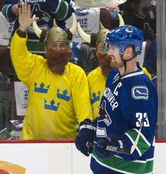 Swedish salute for Henrik Sedin
