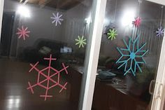 popsicle stick snowflakes ~ diy for christmas and winter craft ~ photo tutorial ~ www.delicateconstruction.com