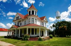 Southern Domesticity: The Development of Homes in the South