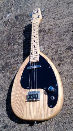 MJK electric teardrop ukulele by Michael J. King. Looks beautiful, sounds awesome.