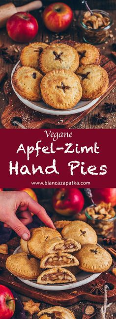 Apfel Hand Pies (vegane Mini-Apfelkuchen) Apple hand pies, mini apple pie with apple cinnamon filling vegan Apple Hand Pies, Mini Apple Pies, Mini Pies, Apple Pie Recipes, Baking Recipes, Snack Recipes, Dessert Recipes, Apple Recipe Vegan, Vegan Apple Muffins