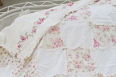 Shabby chic style patchwork quilt, vintage rose, floral bedding