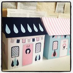 Pretty & Happy Christmas Village - Paper House Kit - Set of 3 Houses PDF #diy #Christmas