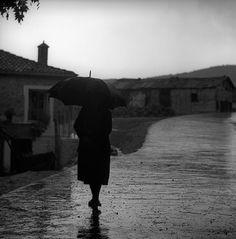 "Billy Files: H ""άλλη"" Ελλάδα του Nick DeWolf (μέρος 2ο) Stone Pillars, British Invasion, Hiroshima, Light And Shadow, Rainy Days, Black And White Photography, Greece, The Past, Germany"