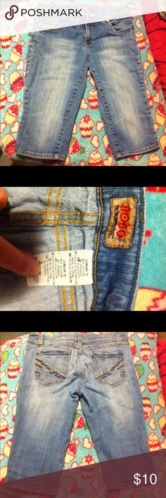 No boundaries capris size 11 No boundaries capris size 11 good condition Pants Capris
