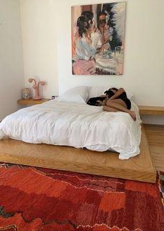 "r! on Twitter: ""Emily Ratajkowski's home… "" Room Ideas Bedroom, Bedroom Decor, Bedroom Signs, Bedroom Rustic, Bedroom Apartment, Bed Room, Bedroom Furniture, Aesthetic Room Decor, Dream Home Design"