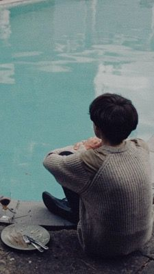 The end of the f***ing world, Alex Lawther, metadinha, couple. Shows On Netflix, Netflix Series, Tv Series, The End, End Of The World, Couple Wallpaper, Stranger Things, Images, Couples