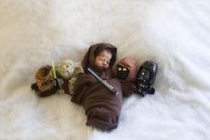 Dziecko z bohaterami - maluszkami Star Wars