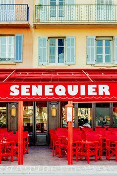 Une terrasse : Sénéquier Saint Tropez port http://www.vogue.fr/lifestyle/voyages/diaporama/guide-des-meilleures-adresses-a-saint-tropez-restaurants-plages-hotels/33362#une-terrasse-senequier