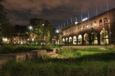 Night view of Shoemaker Green at the University of Pennsylvania, Philadelphia. New lighting highlighted the recently completed Weiss Pavilion and created a dramatic new landscape at night.