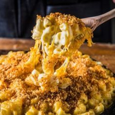Say Bonjour to a rich mac and cheese recipe that will tantalize your taste buds. This extra cheesy mac & cheese has spice, rich brie cheese, & smoked bacon. Combined, it's the best mac & cheese recipe you've ever tasted. Grilled Mac And Cheese, Smoked Mac And Cheese, Macaroni Cheese Recipes, Mac Cheese, Smoked Gouda, Traeger Recipes, Grilling Recipes, Pizza Recipes, Yummy Recipes