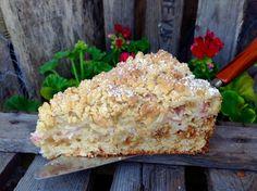 Rhabarberkuchen mit Amarettini Rhubarb cake with amarettini Rhubarb cake with AmareRhubarb cake with litterRhubarb cake with vanilla
