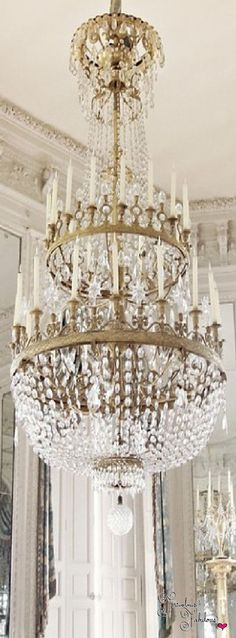 Discovered by Frivolous Fabulous. Find images and videos about design, interior and chandelier on We Heart It - the app to get lost in what you love. Antique Chandelier, Chandelier Lighting, Crystal Chandeliers, Dining Chandelier, French Chandelier, Luxury Chandelier, Antique Lighting, Luxury Decor, Decoration