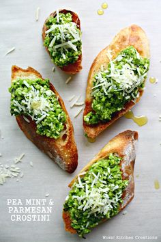 5 easy recipes for toasted crostini made with French baguette slices, buttered and broiled. Recipe for roasted red pepper tomato and basil ricotta crostini along with 4 other delicious toppings. Bruschetta Toppings, Good Food, Yummy Food, Specialty Foods, Appetisers, Chef Recipes, Healthy Baking, Tapas, Food Porn