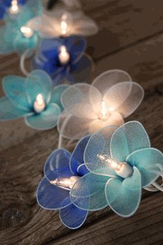 Flower String Lights DIY method: nylon and wire wrapping...