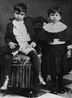 Pablo Picasso (8 jaar oud) met zus Lola in 1889