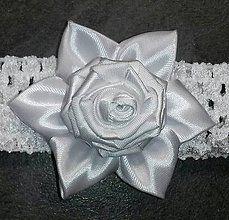 Detské doplnky - Biela detská čelenka na krst s ružičkou - 8055724_