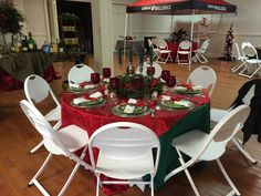 Beautifully decorated table created and hosted by Jeff Ophime and Lesa Moser.