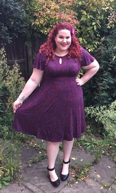 Curves n Curls UK The Colour Purple: Scarlett & Jo dress #plussize #curvy #psfashion #fatshion #psblogger #plussizeblogger #bodypositivity #bopo #curvesncurls #forties