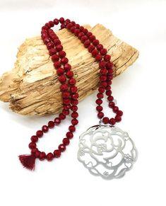 Sautoir tout en perles de cristal ROUGE Crochet Earrings, Beaded Necklace, Jewelry, Flower Pendant, Lobster Clasp, Red, Jewerly, Beaded Collar, Jewlery