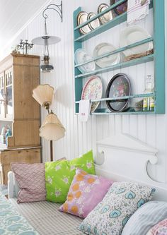 Granny Chic, Bookcase, Loft, Cottage, Shelves, Traditional, Bed, House, Furniture